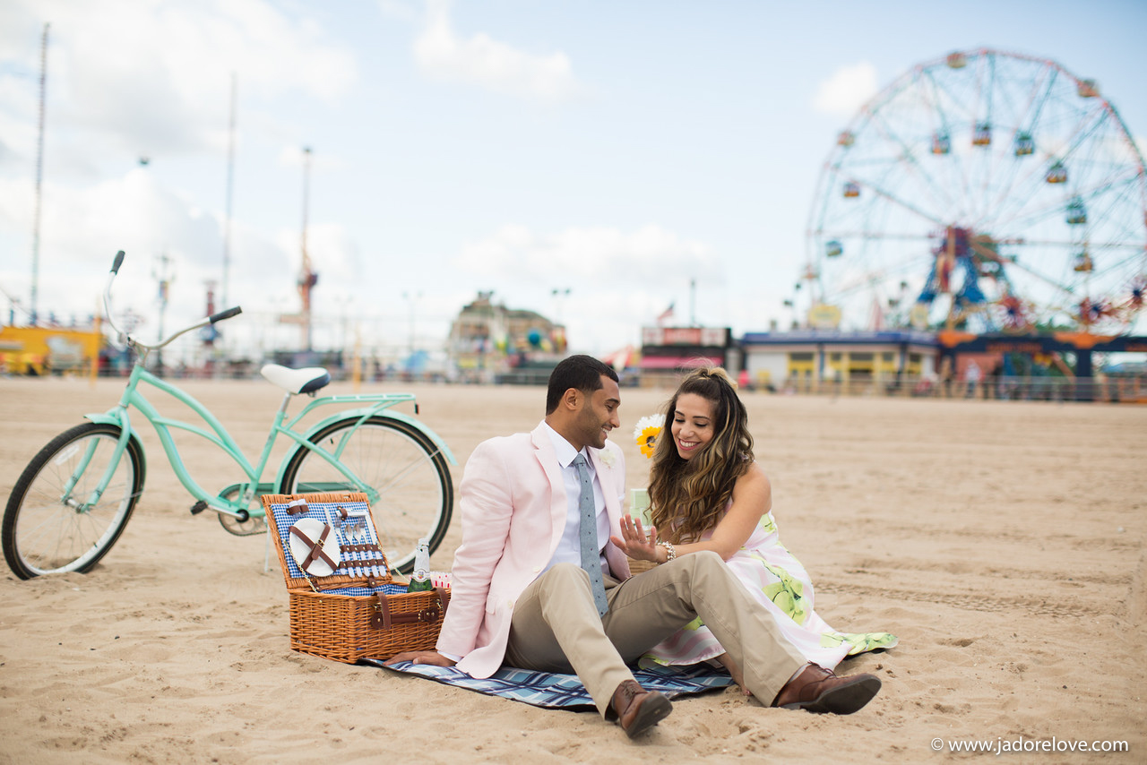 How to Plan the Perfect Beach Picnic Engagement Shoot